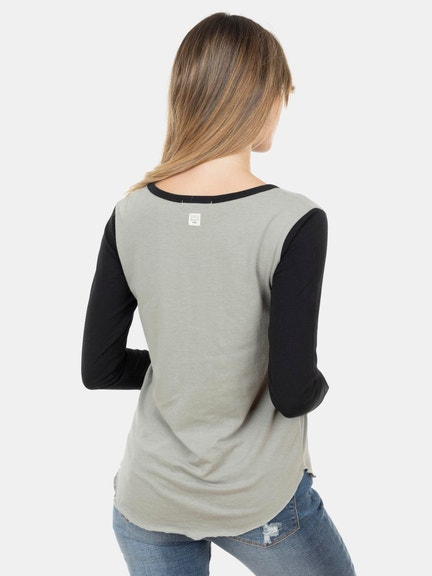 Polera M/L Fearless Female